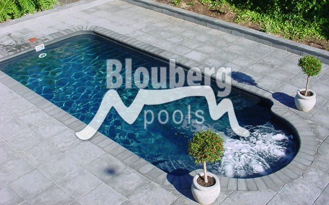 Fibreglass swimming pools western cape blouberg pools for Southern suburbs swimming pool